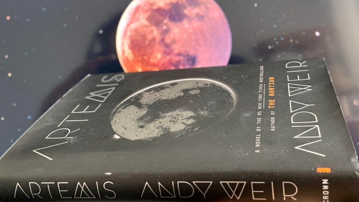 artemis-andy-weir-feature-min