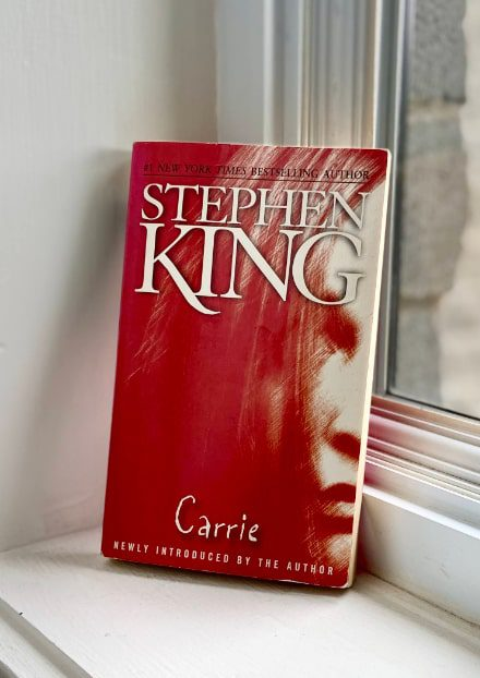 stephen king carrie book-min