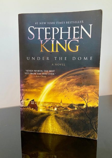 under_the_dome_book_stephen_king-min