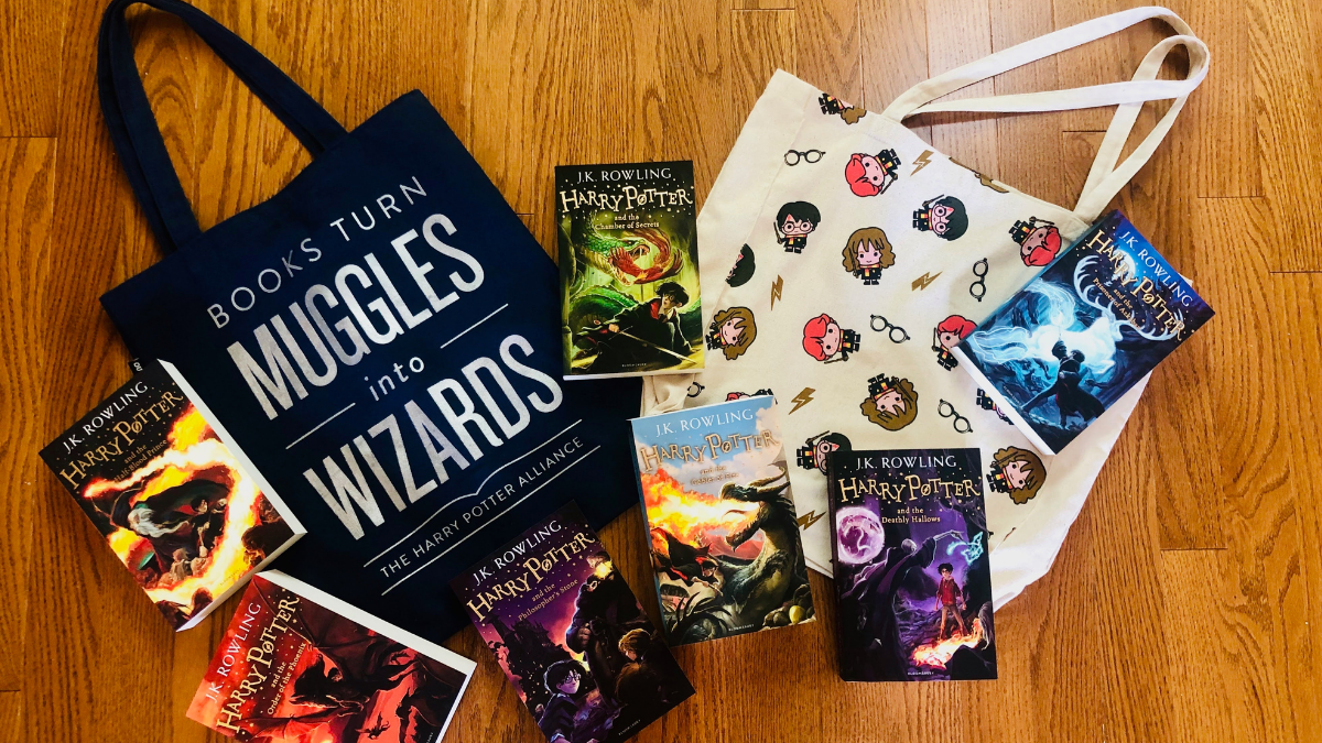 harry potter book collection and bags min