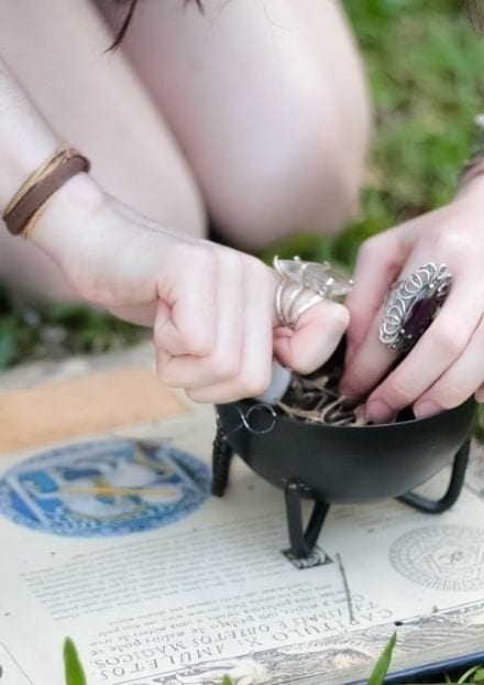 Making-a-spell-witches