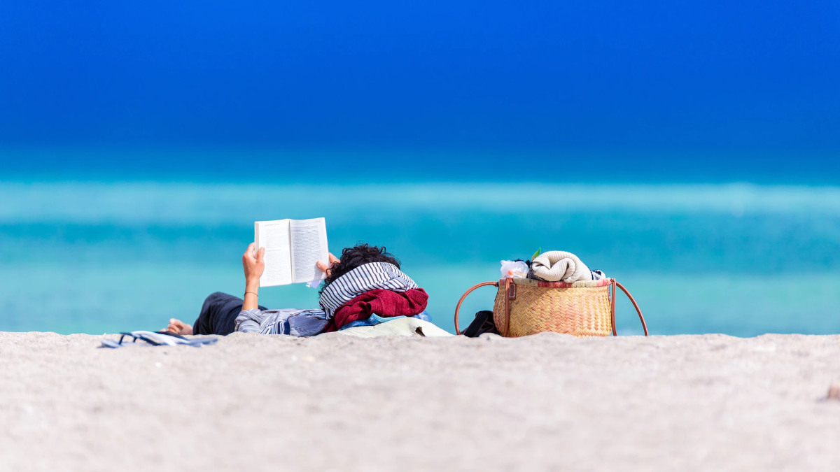 What Makes A Good Beach Read & The Story Behind It You Need To Know About